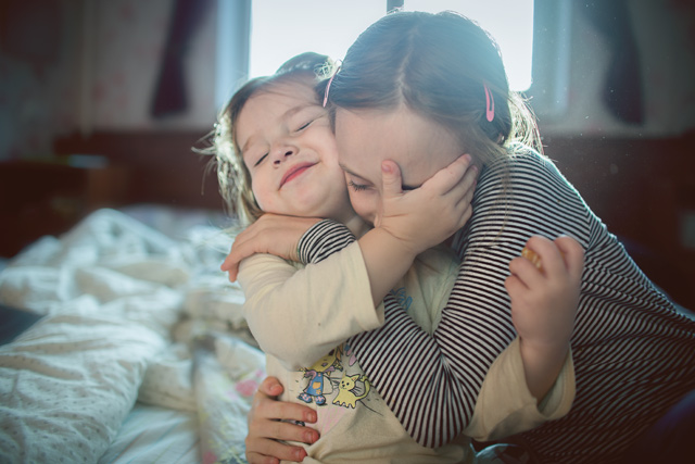 everyday_documentary-sisters-hug