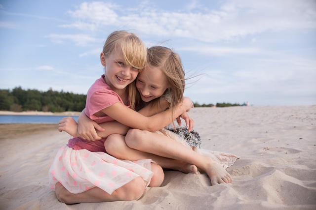 sisters-on-the-beach